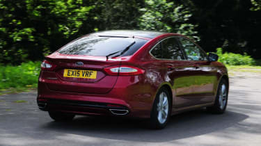 Ford Mondeo - red rear