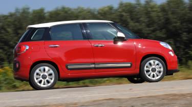 Fiat 500L profile