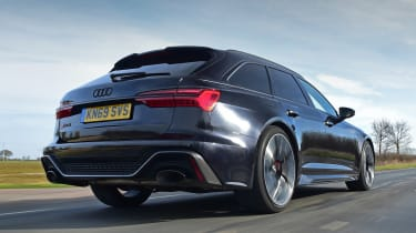 Audi RS 6 - rear tracking