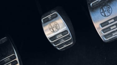 Alfa Romeo Giulietta pedals