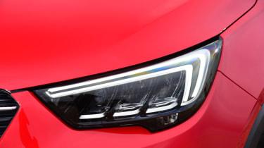 Vauxhall Crossland X - headlight