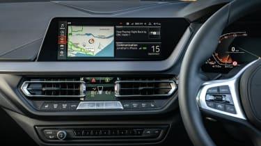 BMW 118i - screen