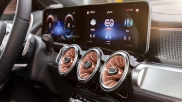 Mercedes EQB - infotainment