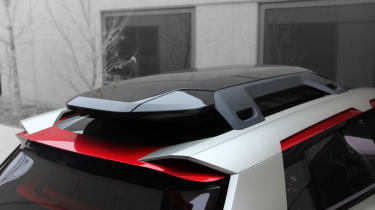Nissan Xmotion Concept - roof rack