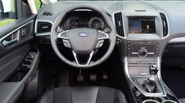 Ford S-Max AWD - dash