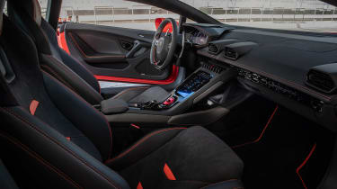 Lamborghini Huracan Evo - front seats