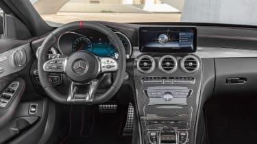 Mercedes-AMG C 43 - dash