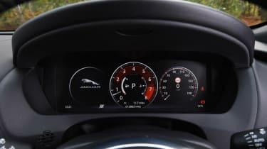 Jaguar F-Pace - dials