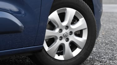 vauxhall combo life xl alloy wheel