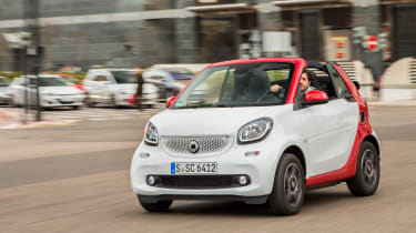 Smart ForTwo Cabrio 2016 - front tracking 3