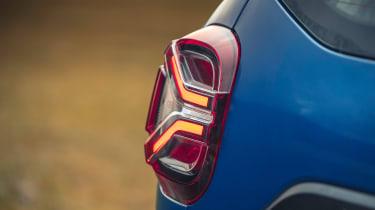 Dacia Duster 2021 facelift - brake light