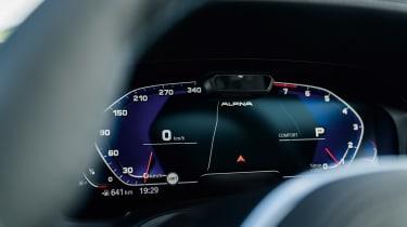 Alpina B3 Touring - dials