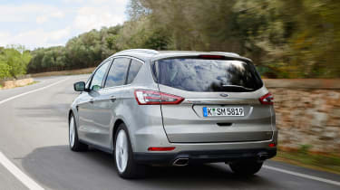 Ford S-MAX Titanium rear