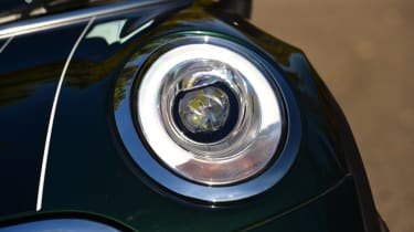 MINI Cooper 5dr front headlight