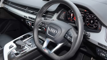 Audi SQ7 long term test - first report steering wheel