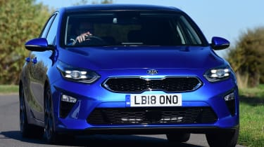 kia ceed driving front