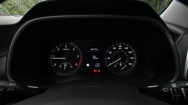 Hyundai Tucson - instruments