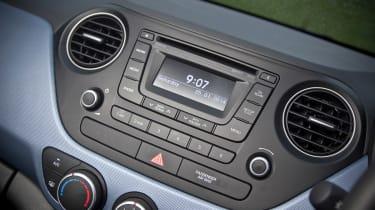 Hyundai i10 1.2 Premium radio