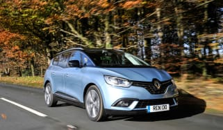Renault Scenic and Grand Scenic Hybrid Assist - 1