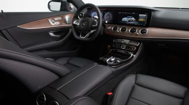 New Mercedes E-Class 2016 studio dashboard