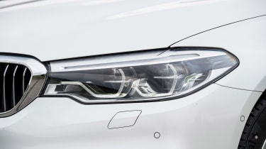 BMW 530e iPerformance - front light