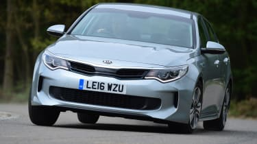 Kia Optima PHEV - front cornering