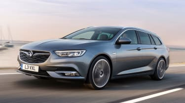 Vauxhall Insignia Sports Tourer 2017 - front tracking