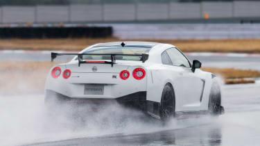 Nissan GT-R NISMO - rear