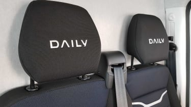 IVECO Daily - headrests