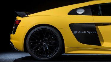 Audi R8 blast inscribing