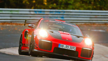 Porsche 911 GT2 RS MR front carousel