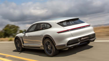 Porsche Mission E Cross Turimso - rear action
