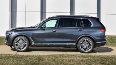 BMW X7 - side static