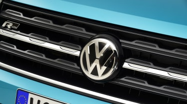 Volkswagen T-Cross - studio VW badge