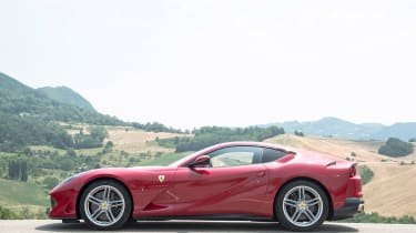 Ferrari 812 Superfast - side static