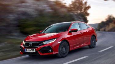 Honda Civic 2017 EU - red front cornering