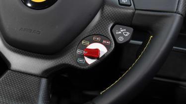 Ferrari 488 Pista - drive mode