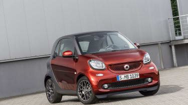Smart ForTwo - red car static