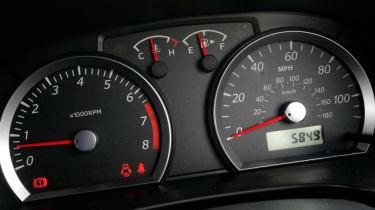 Used Suzuki Jimny - dials