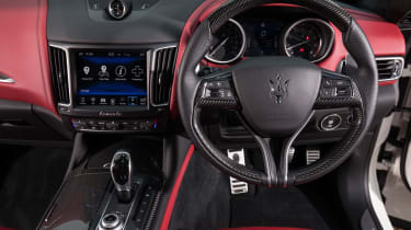 Maserati Levante S - steering wheel