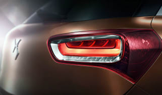 Citroen-DS-X7-teaser