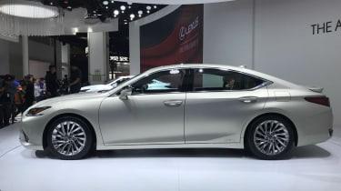Lexus ES - Beijing show side
