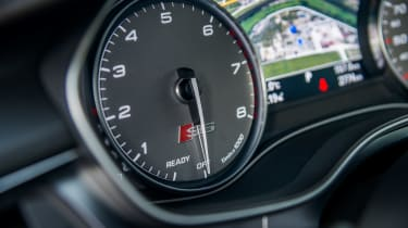 Audi S6 saloon 2014 dials