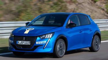Peugeot 208 - front action