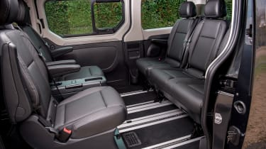 Renault Trafic SpaceClass - cabin