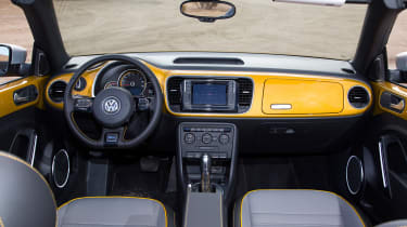 Volkswagen Beetle Dune Cabriolet - interior