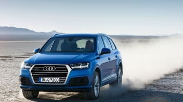 Audi Q7 2015 - driving