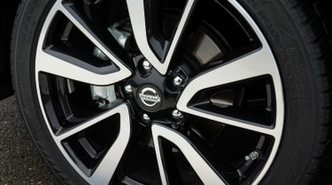 Nissan Qashqai 2014 1.6 dCi wheels