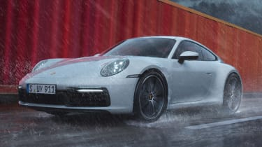 Porsche 911 Carrera 4 - front tracking