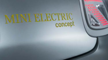 MINI Electric concept - badge